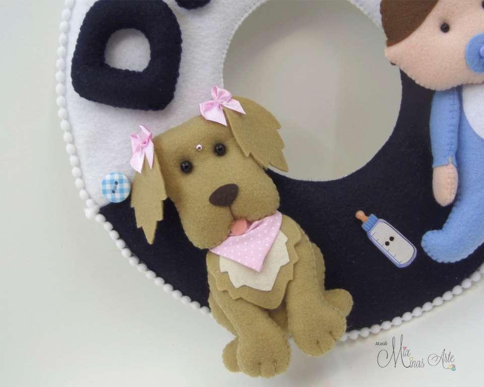 Enfeite de Porta Maternidade Menino e Labrador