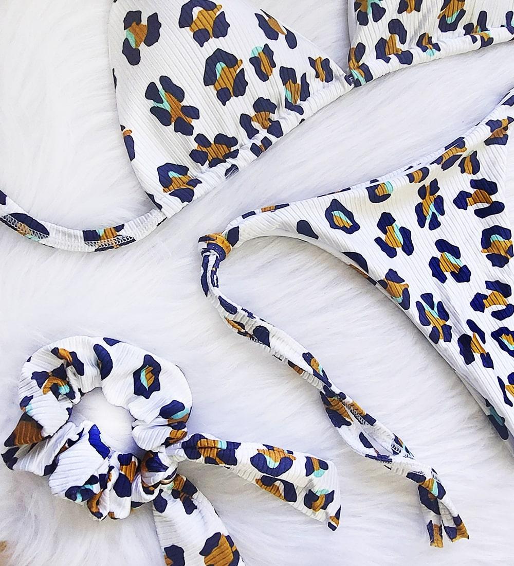 Biquíni Canelado Cortininha Calcinha Lacinho - Onça Branco