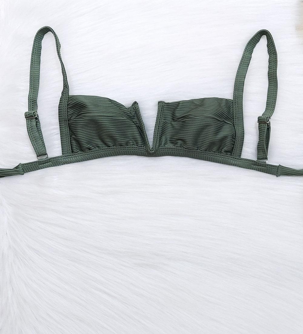 Decote V Canelado Summer - Verde Militar