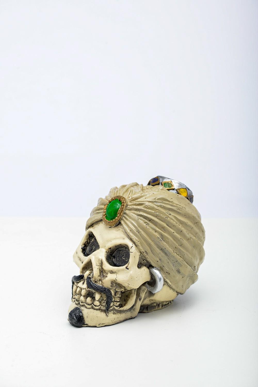 Cranio C/ Turbante Resina