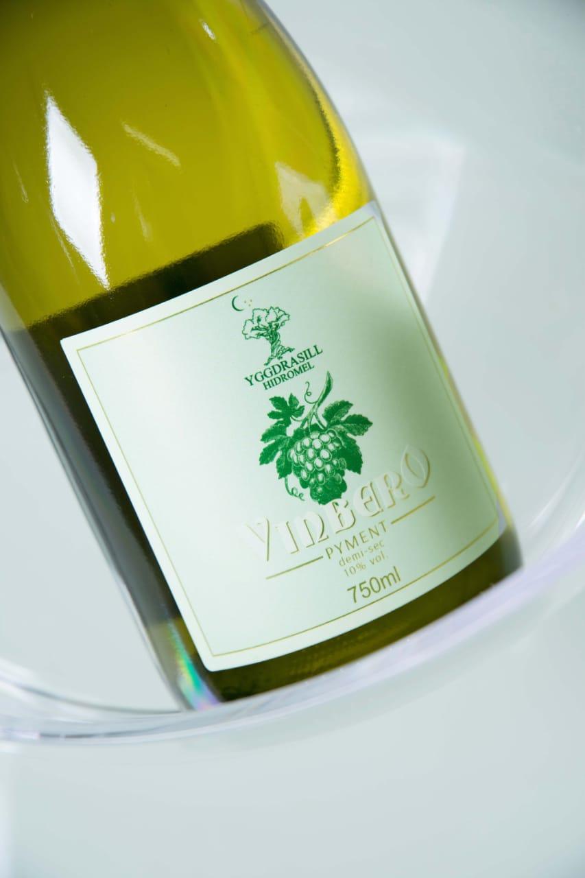 Hidromel YggDrasill Vinbero - Pyment com uva Chardonnay