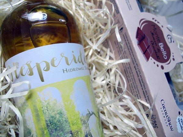 Kit Hidromel Linha Hespérides + Cacau Show - na caixa com palha