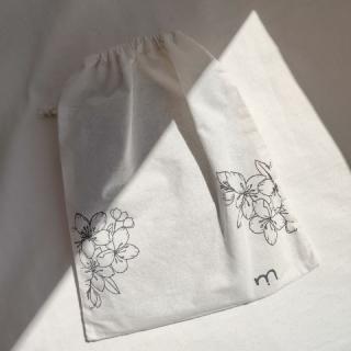 saquinho de algodão cru - wabi sabi
