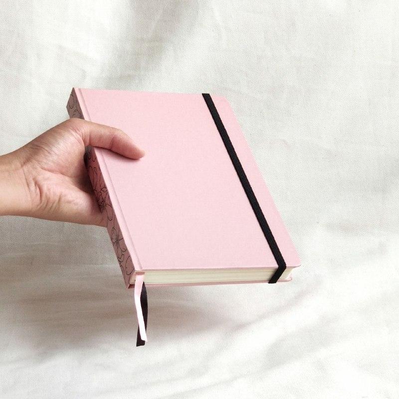 caderneta lombada florida rosa chá 120 g/m²