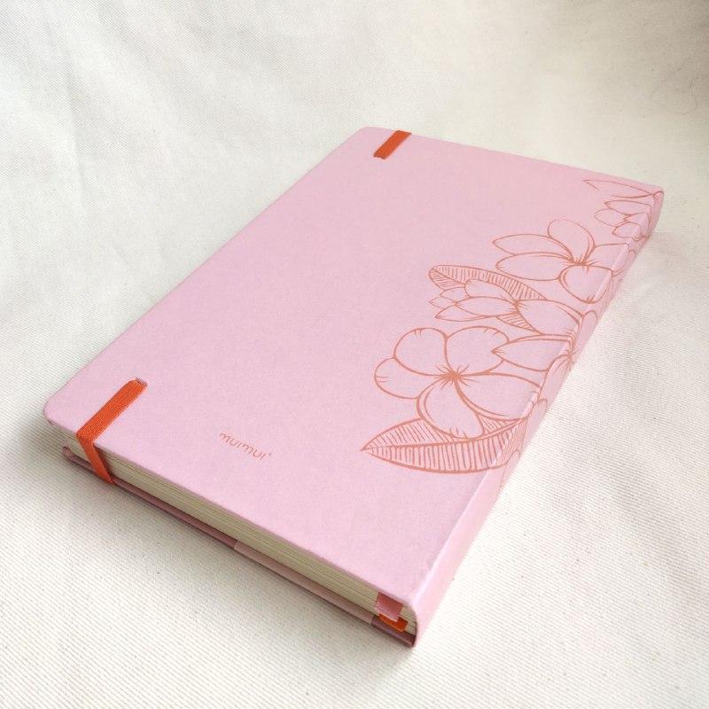caderneta pluméria rosinha 90g/m² pontilhado - wabi sabi
