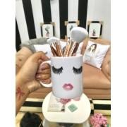 Caneca Ceramica Cílios e boca