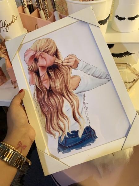Quadro Menina Laço no cabelo