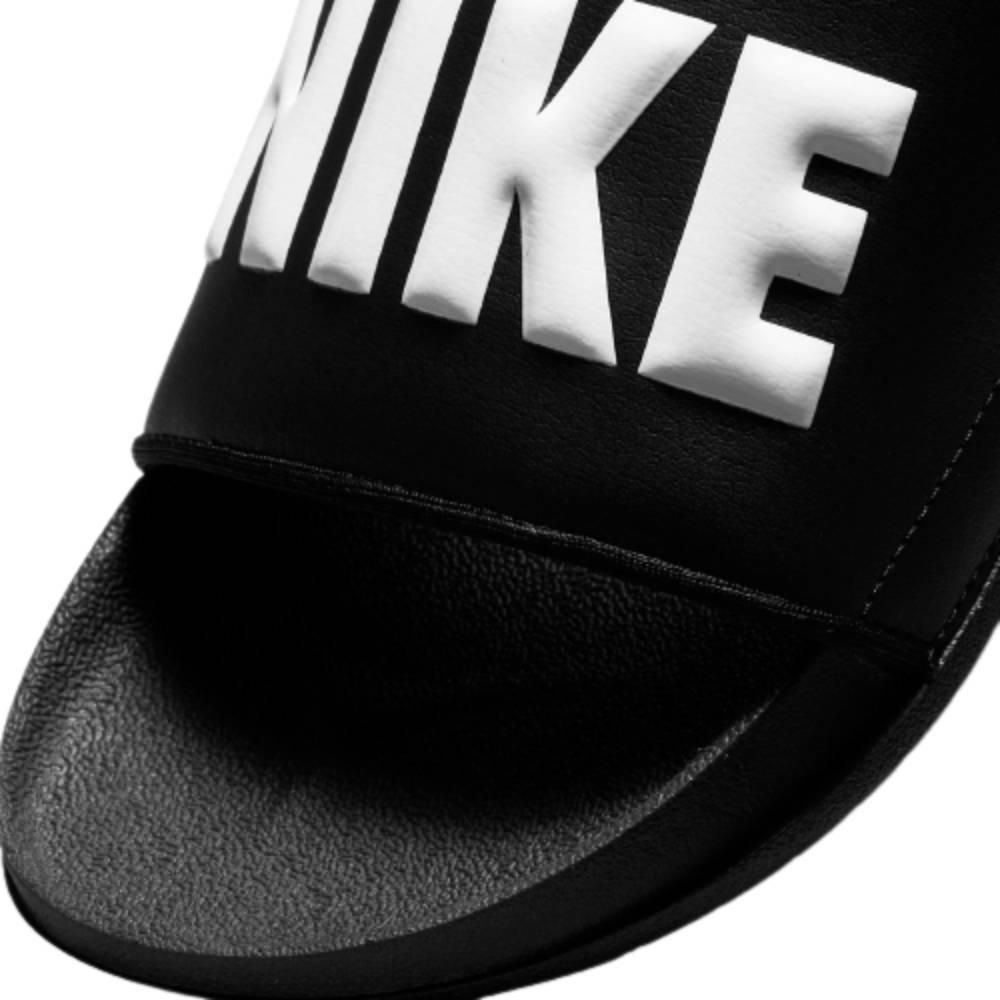Chinelo Slide Nike OffCourt Feminino Preto Branco
