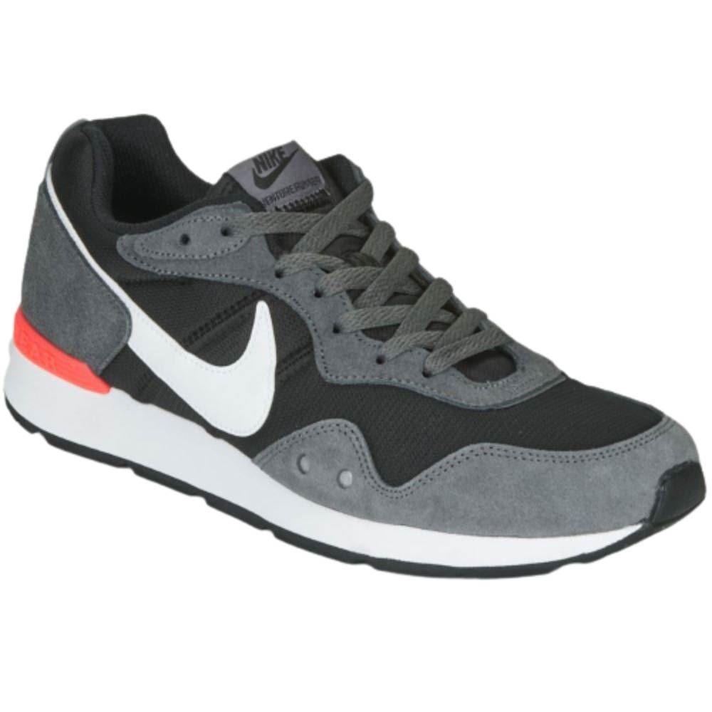 Tênis Nike Venture Runner