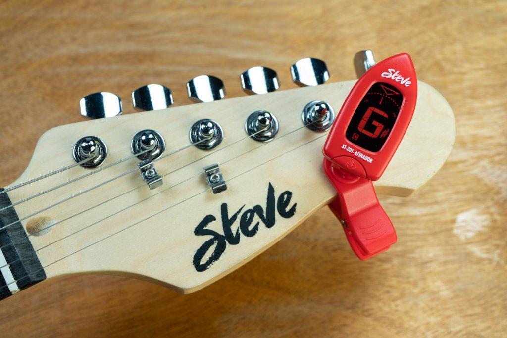 Afinador de Clip Digital Cromático Steve ST-201 (Vermelho)