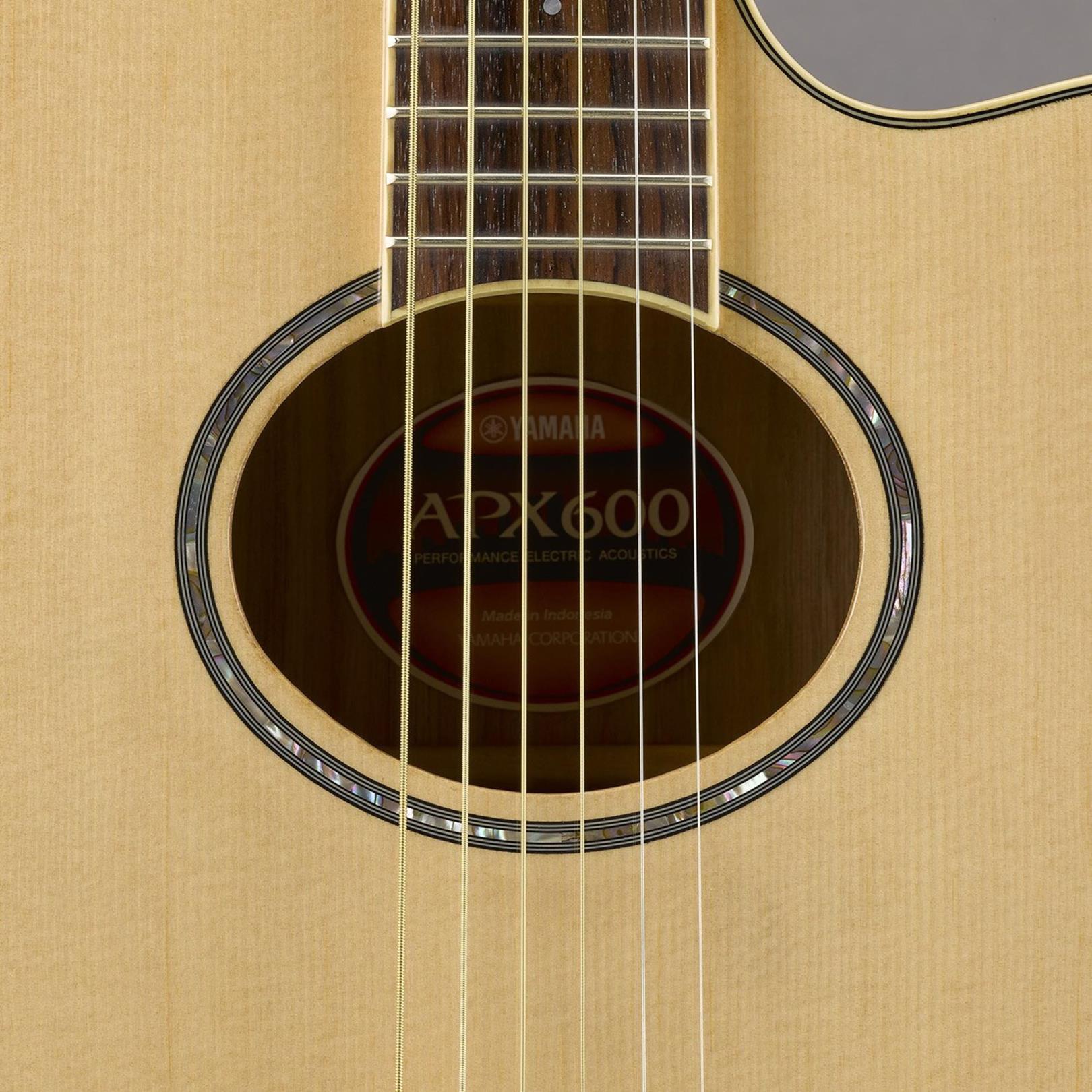 Yamaha Violão Eletroacústico APX600 Natural (Aço)