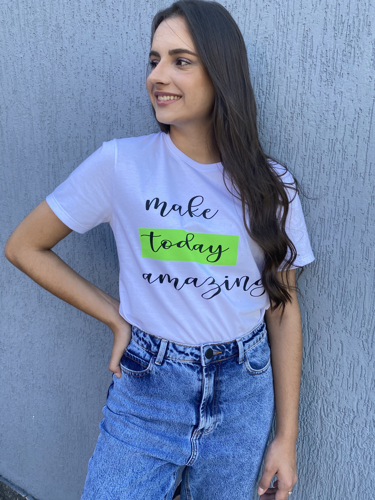 Camiseta Feminina Branca Today Verde