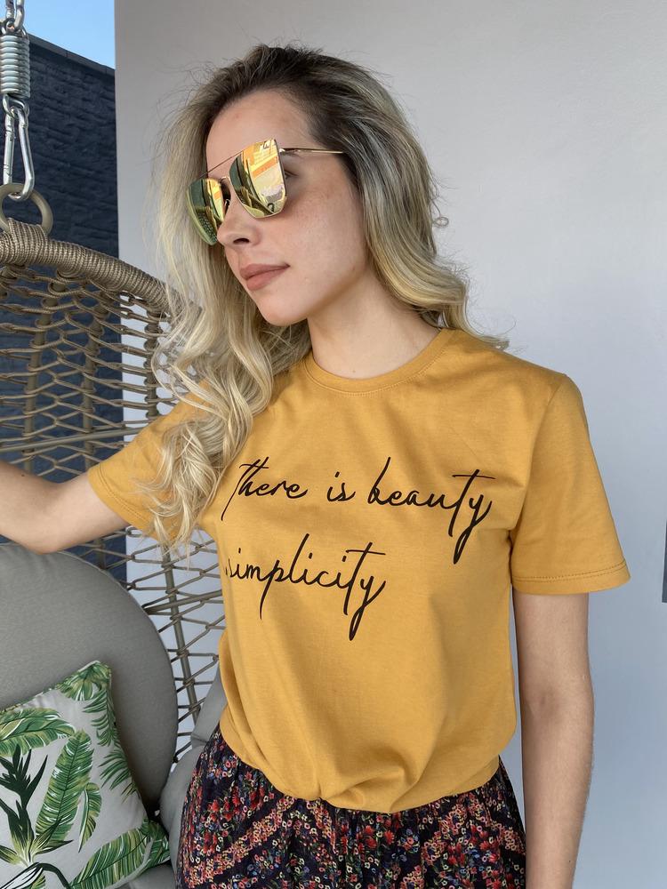 Camiseta Feminina Caramelo Simplicity