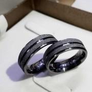 Alianças Helena em Prata Banhadas Ródio Negro 7mm (Par)