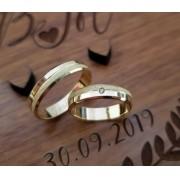 Alianças Heloisa em Ouro 18k com Friso e Pedra  4mm (Par)
