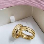 Alianças Jolie em Ouro 18k com Pedra 6mm (Par)