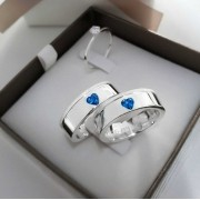 Alianças Marjorie em Prata Pedra Azul em ambas 7mm (Par)