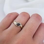 Anel Formatura em Ouro 18k com Cristal Negro