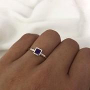 Anel Quadrado Cristal em Prata 925 Roxo