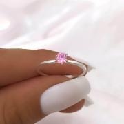 Anel Solitário Lóra em Prata 925 (Pedra baixa rosa claro)