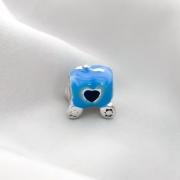 Berloque Carruagem Azul Banhado em Prata