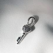 Berloque Chave de Coração em Prata 925