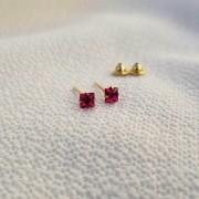 Brinco Cristal em  Ouro 18k Ruby Sintético