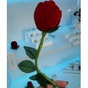 Caixinha em Veludo Rosa com Caule (Anel)