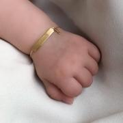 Pulseira Baby Plaquinha em Ouro 18k com pingente Figa