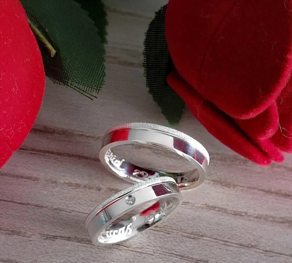 Alianças Amore em Prata com Pedra 4mm (Par)
