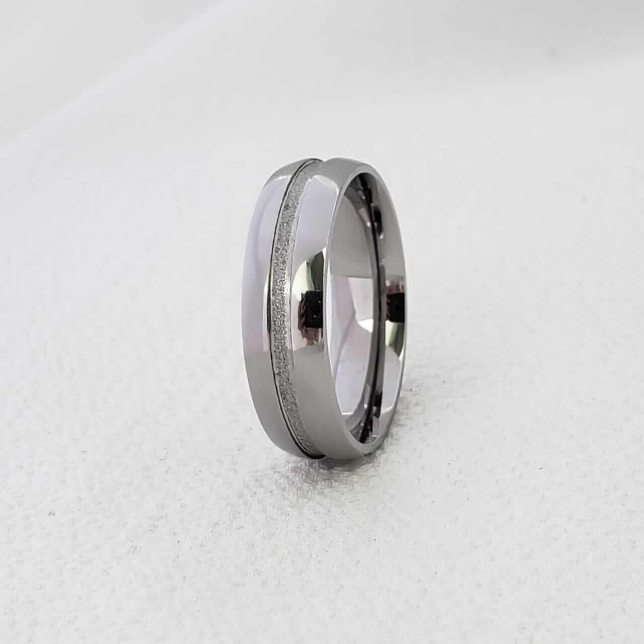 Aliança Cecilia 238 em Aço Inox 6mm (Masculina)