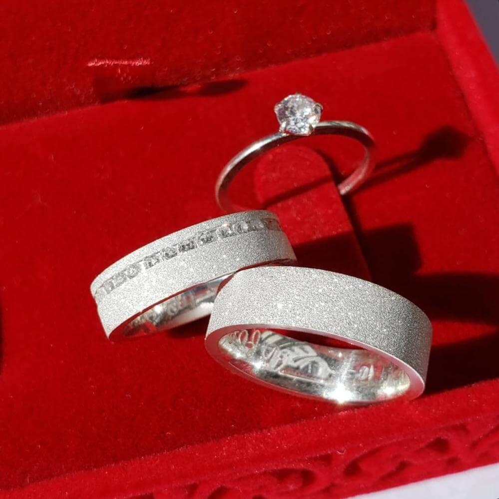 Alianças Glitter  em Prata com Pedra 5mm (Par)