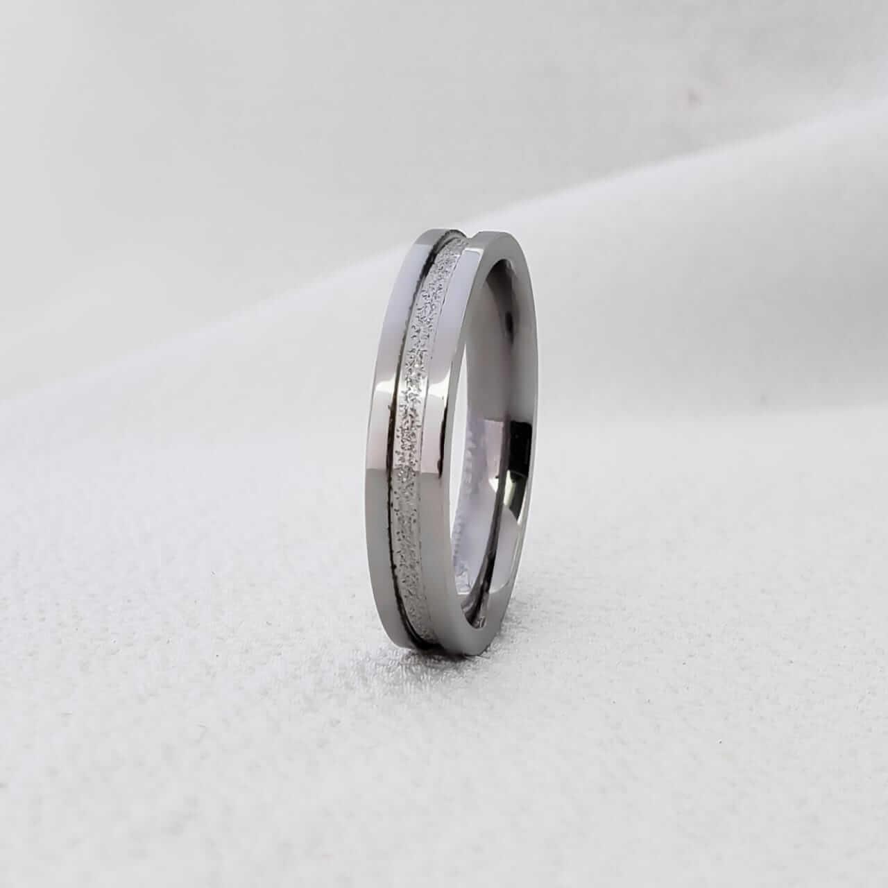 Alianças Jasmine 240 em Aço Inox 4mm (Masculina)