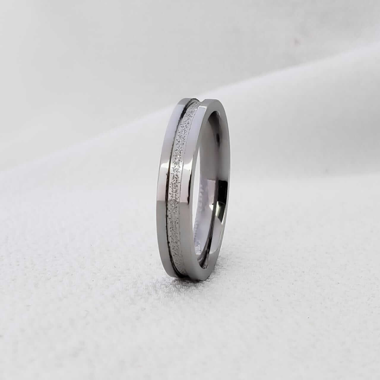 Aliança Jasmine 240 em Aço Inox 4mm (Masculina)