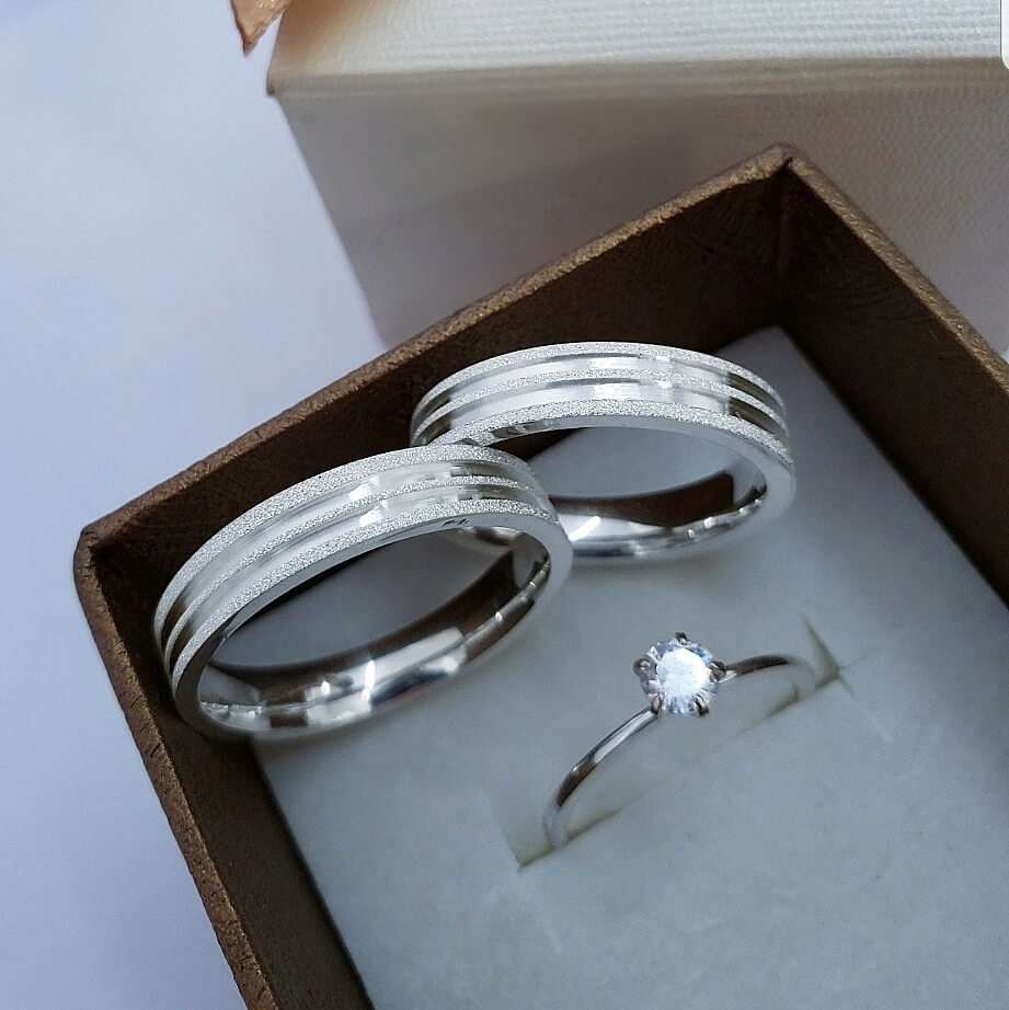 Alianças Lovely em Prata 4mm (Par)