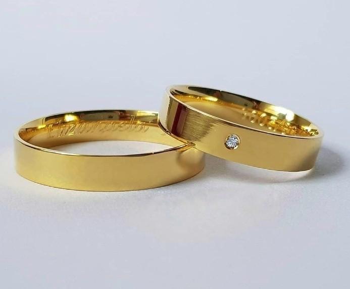 Alianças Paris em Ouro 18k com Pedra 5mm (Par)