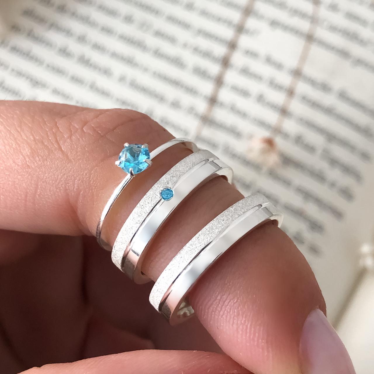 Combo Alianças Personalizadas Florence em Prata com Pedra Azul 5mm + Anel Solitário Azul Claro