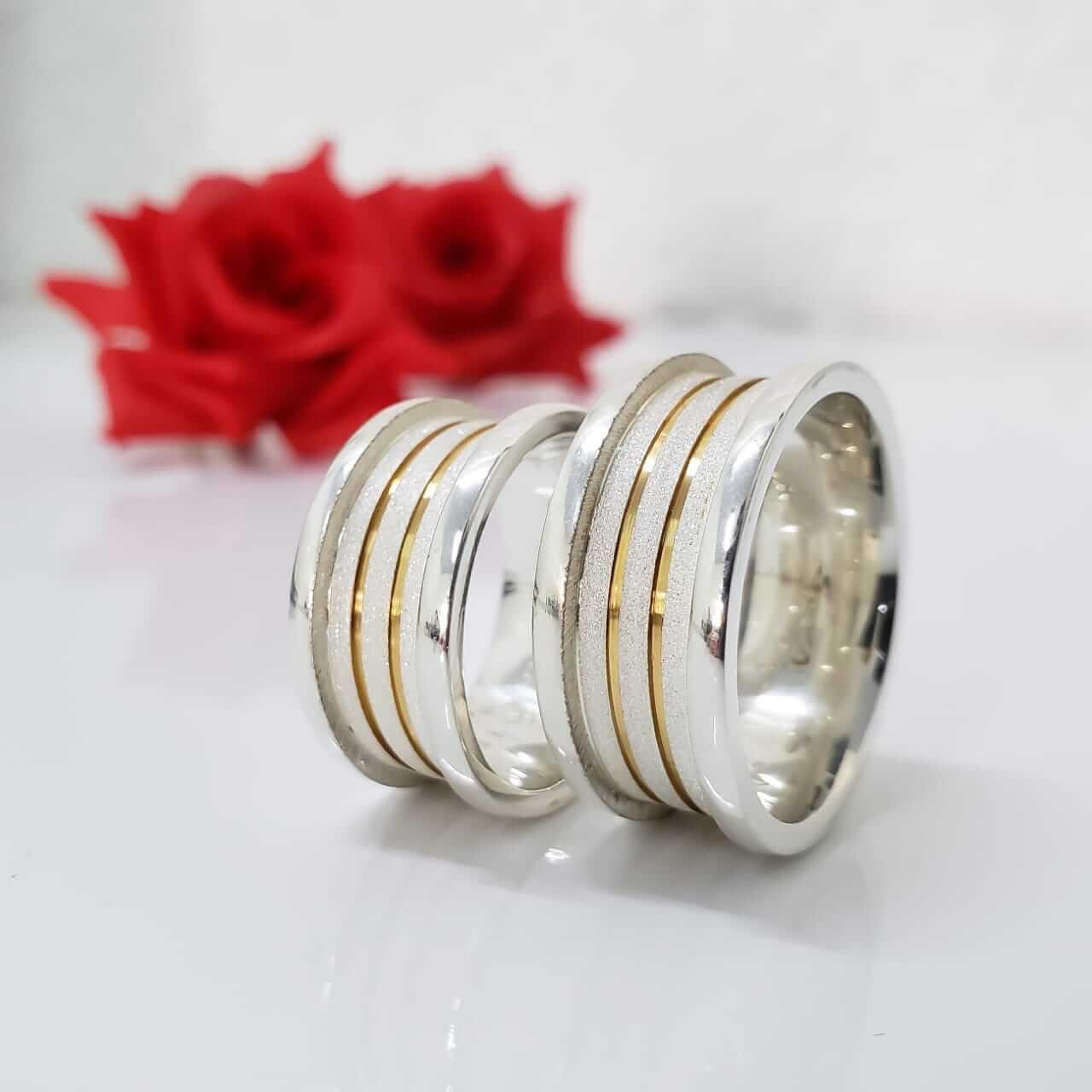 Alianças Sublime em Prata com Aplique de Ouro 10mm (Par)