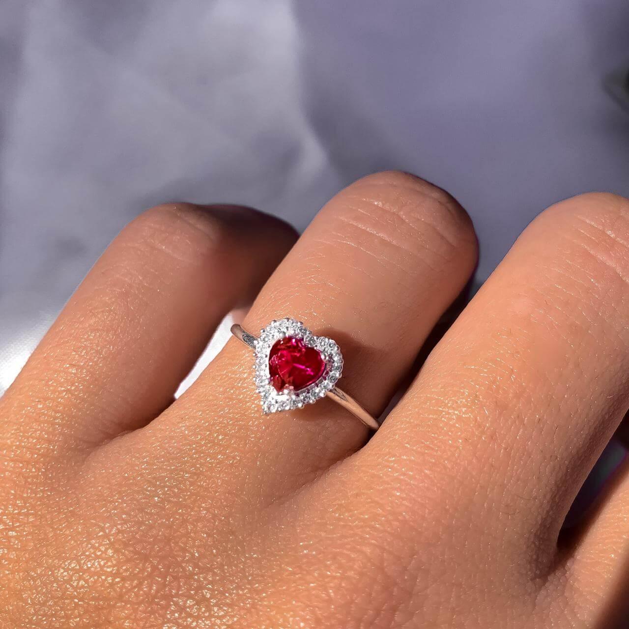 Anel Cinderela Ruby em Prata 925