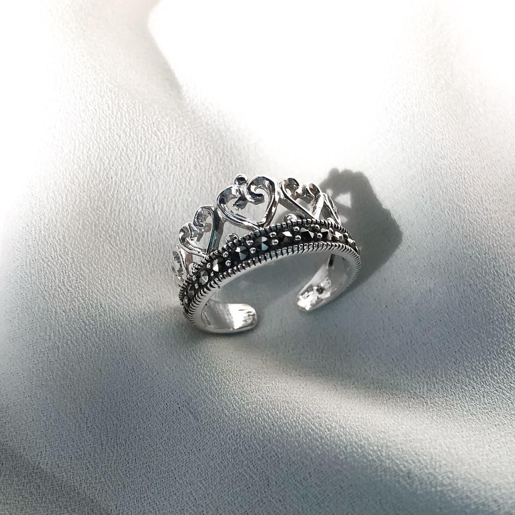 Anel de Falange Coroa de Corações em Prata 925