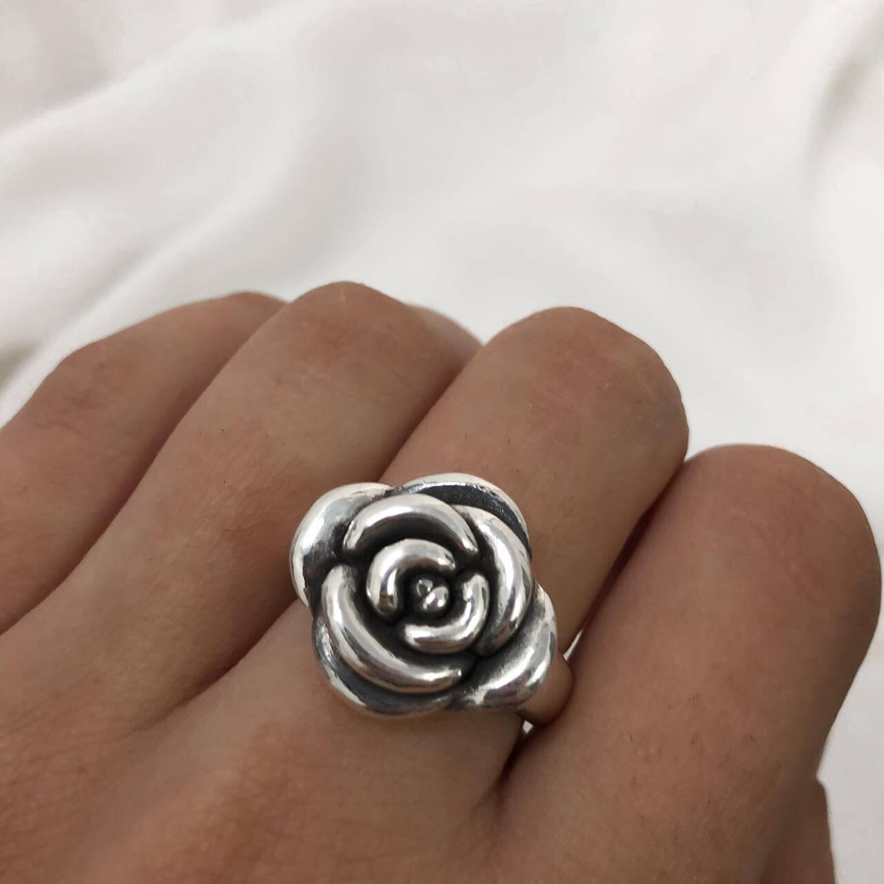 Anel Rosa  em Prata 925 Grande