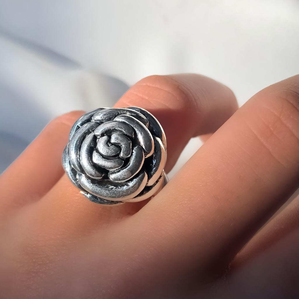 Anel Rosa Fechada em Prata 925