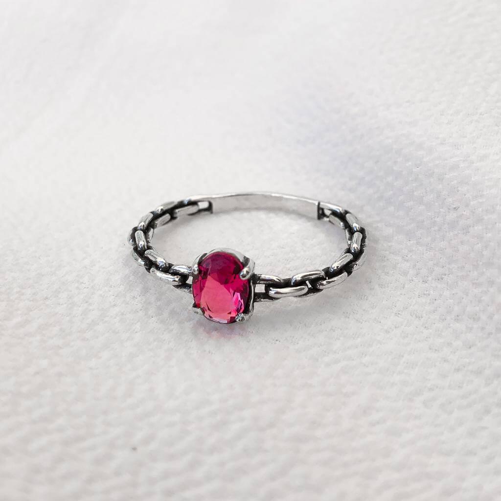 Anel Solitário Aro de Corrente em Prata 925 com Cristal Ruby