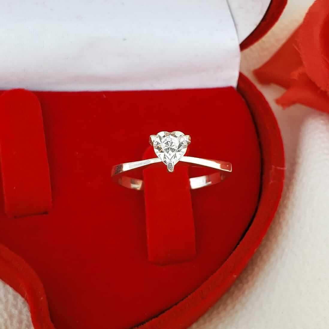 Anel Solitário Coração em Prata 925 com Cristal Swarovski