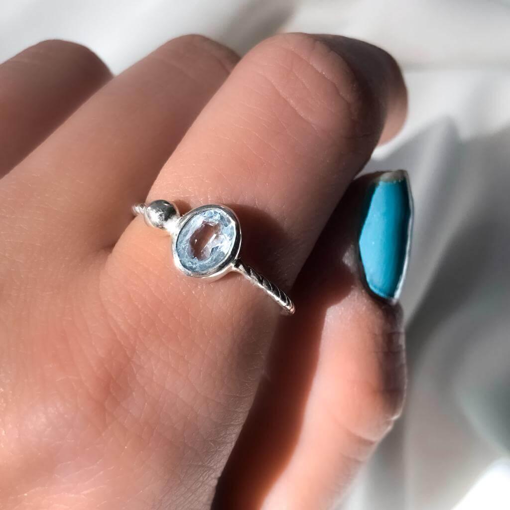 Anel Solitário Cristal Oval Aquamarine em Prata 925
