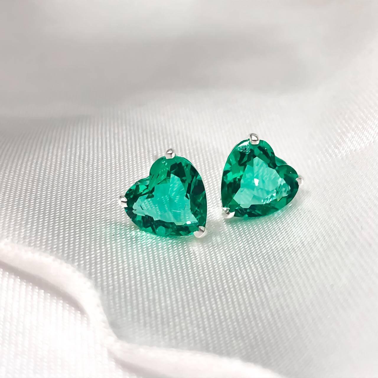 Brinco Coração em Prata 925 (Verde)