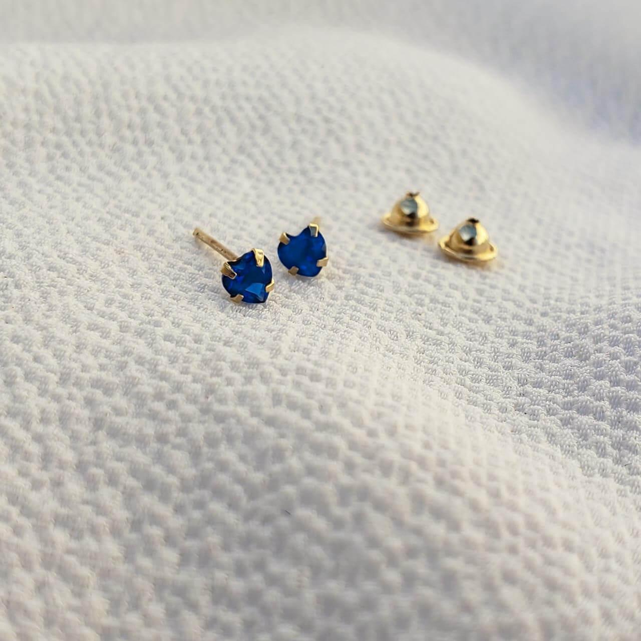 Brinco Cristal Coração em Ouro 18k Azul