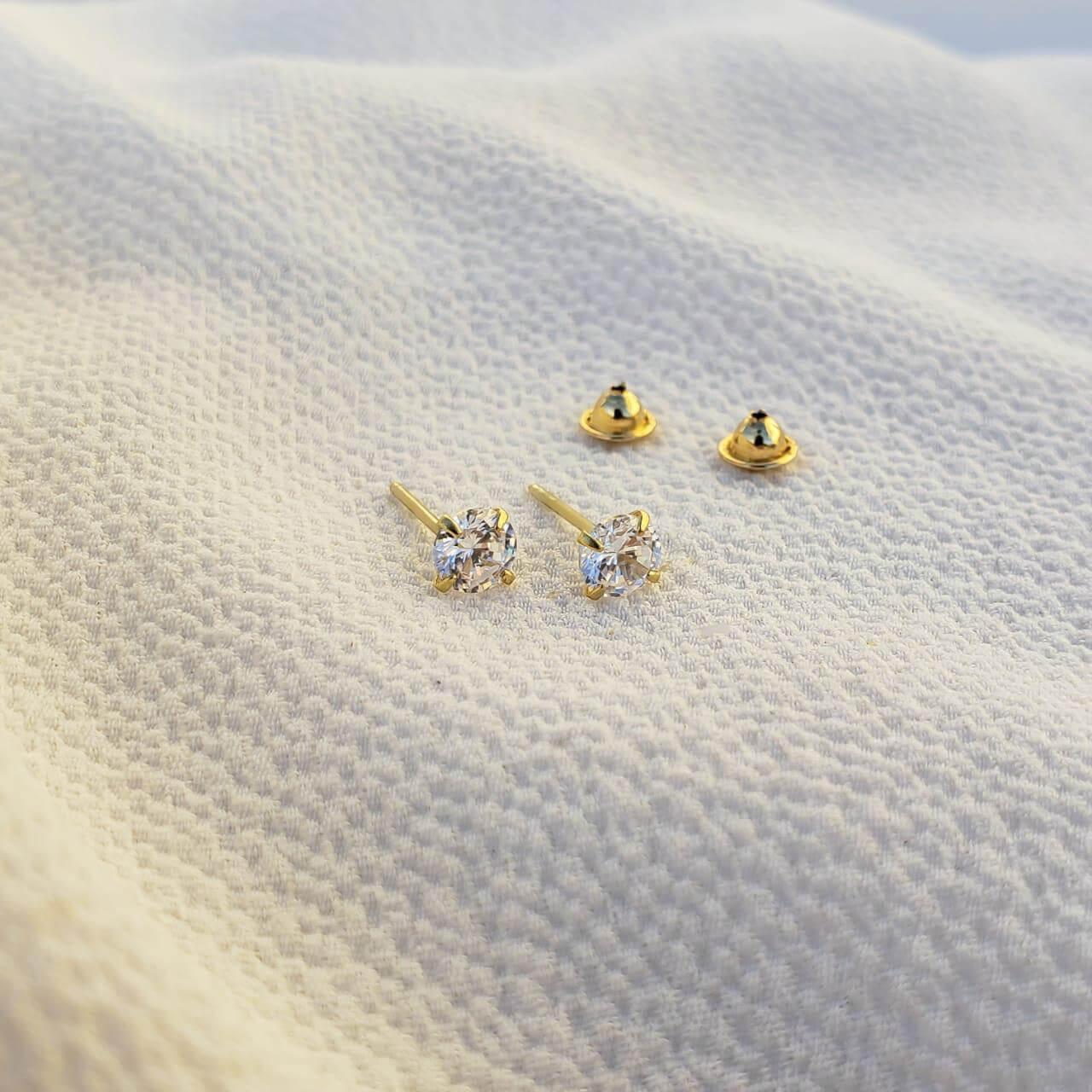 Brinco Cristal em  Ouro 18k 3MM