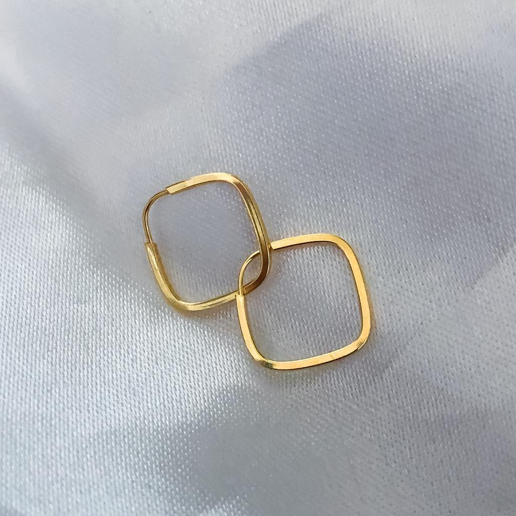 Brinco Quadrado Click 12mm em Ouro 18k