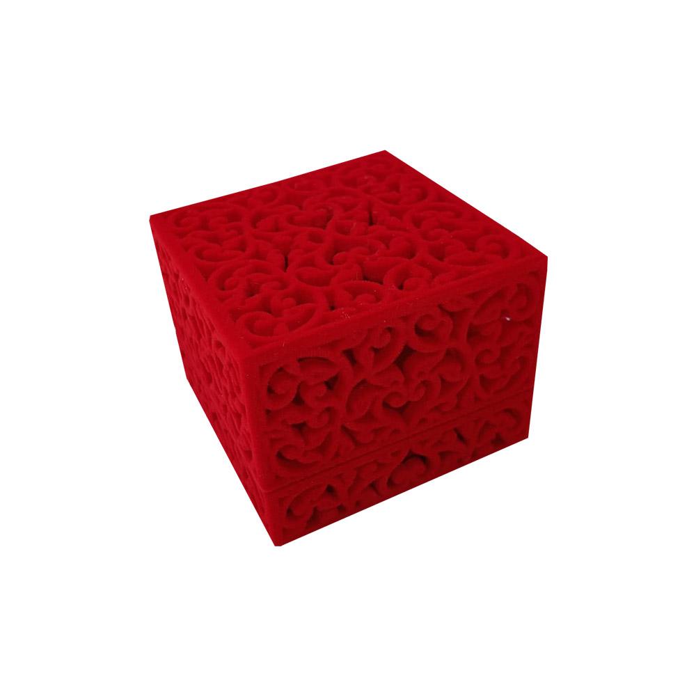 Caixinha em Veludo Vazada Vermelha (Anel)